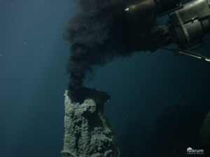 Black Smoker along the Kermadec Island Arc, the southern continuation of the Tonga Arc, sampled by ROV QUEST during expedition SO253 in January 2017. Picture: ROV QUEST, Marum, University of Bremen.