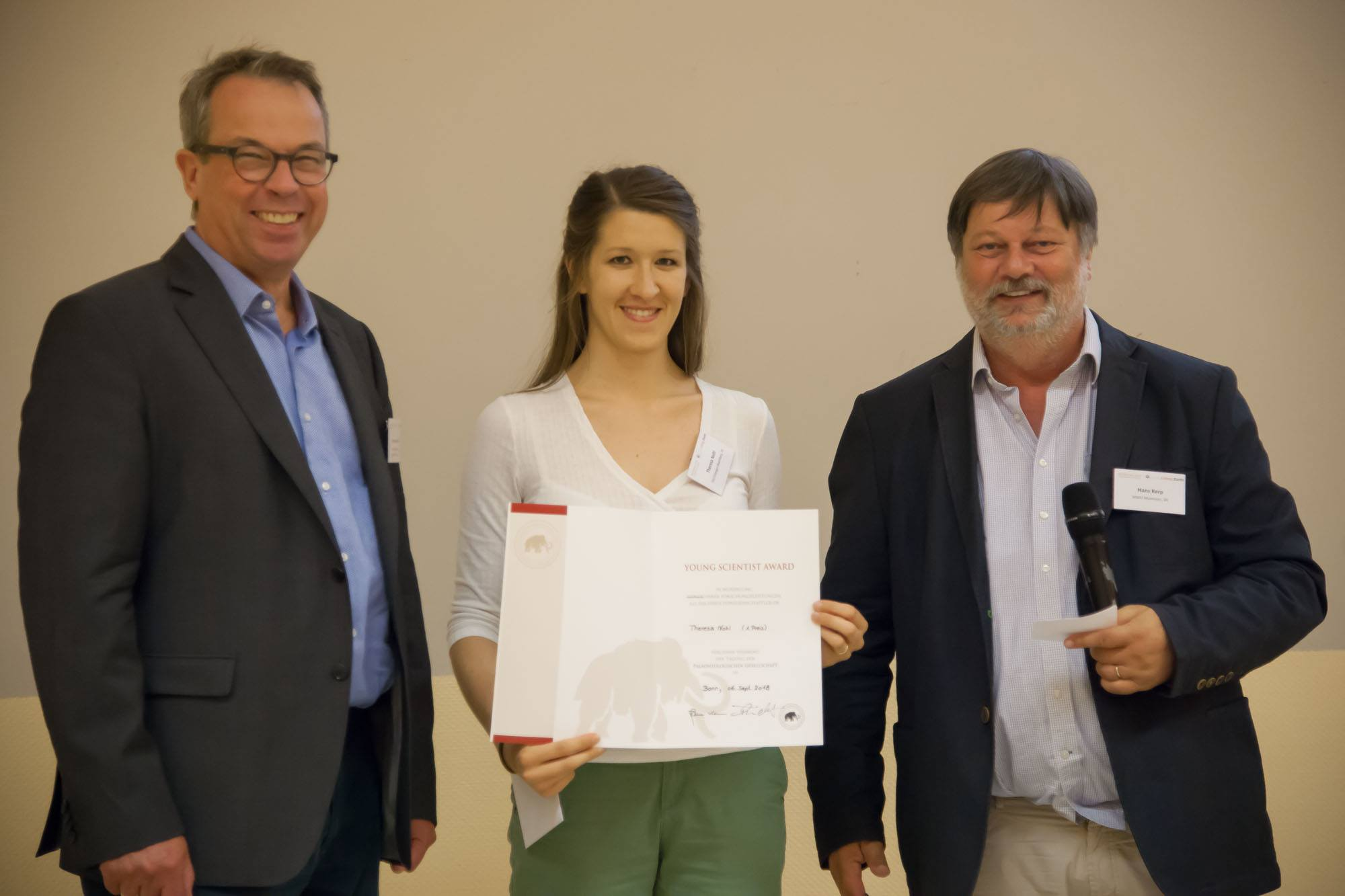 "Towards entry ""Therea Nohl received the ""Young Scientist Award"" at GeoBonn 2018"""